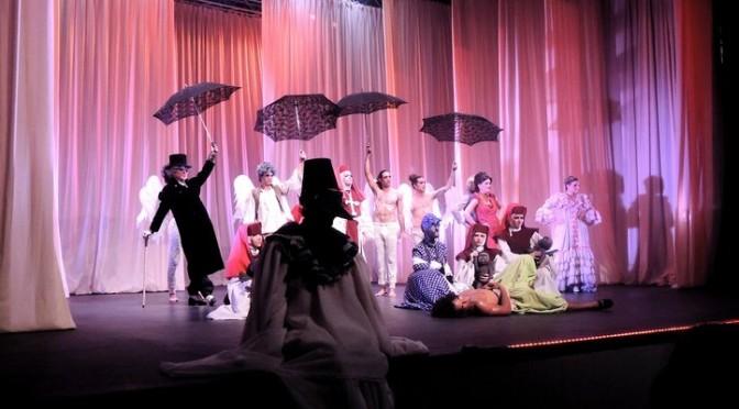 Teatro El Publico dans le Decameron, mise en scène Carlos Diaz, décembre 2015 au Teatro Trianon.